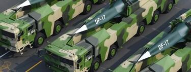 """El misil DF-17 es la gran esperanza militar de China para los próximos años: hipersónico, """"asesino de portaviones"""" y muy difícil de interceptar"""